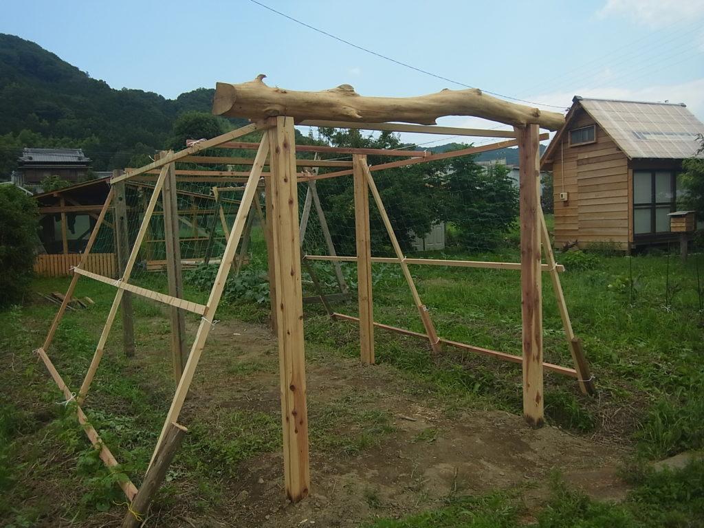 木製パーゴラの完成。
