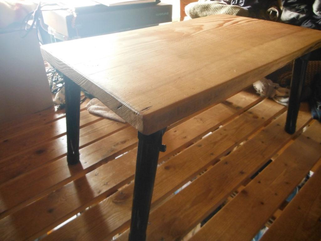 簡単な折り畳み式机をDIY。