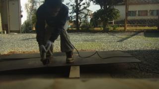 鉄製の側溝の蓋を作る。