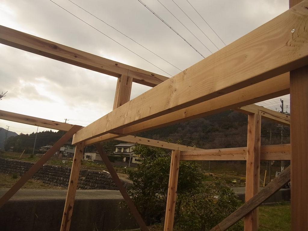梁と小屋束。