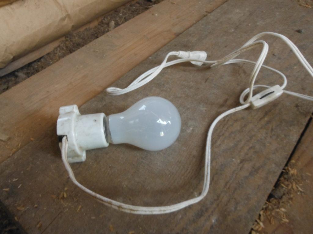 電球のソケット。