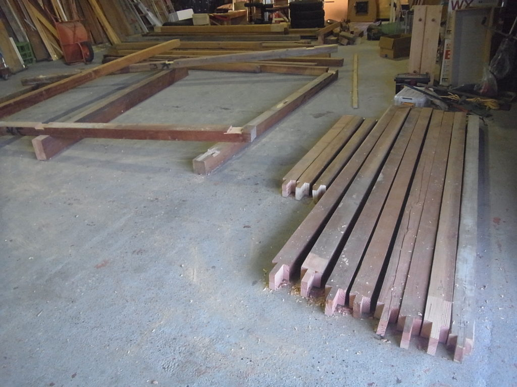 梁、桁、柱の完成。