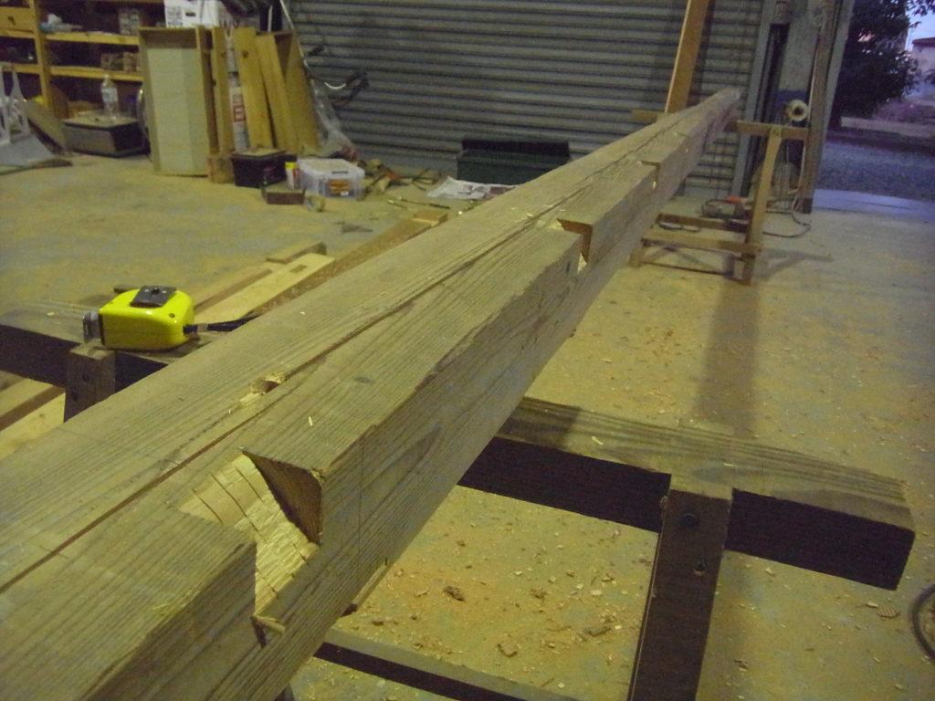 桁に垂木彫りができる。