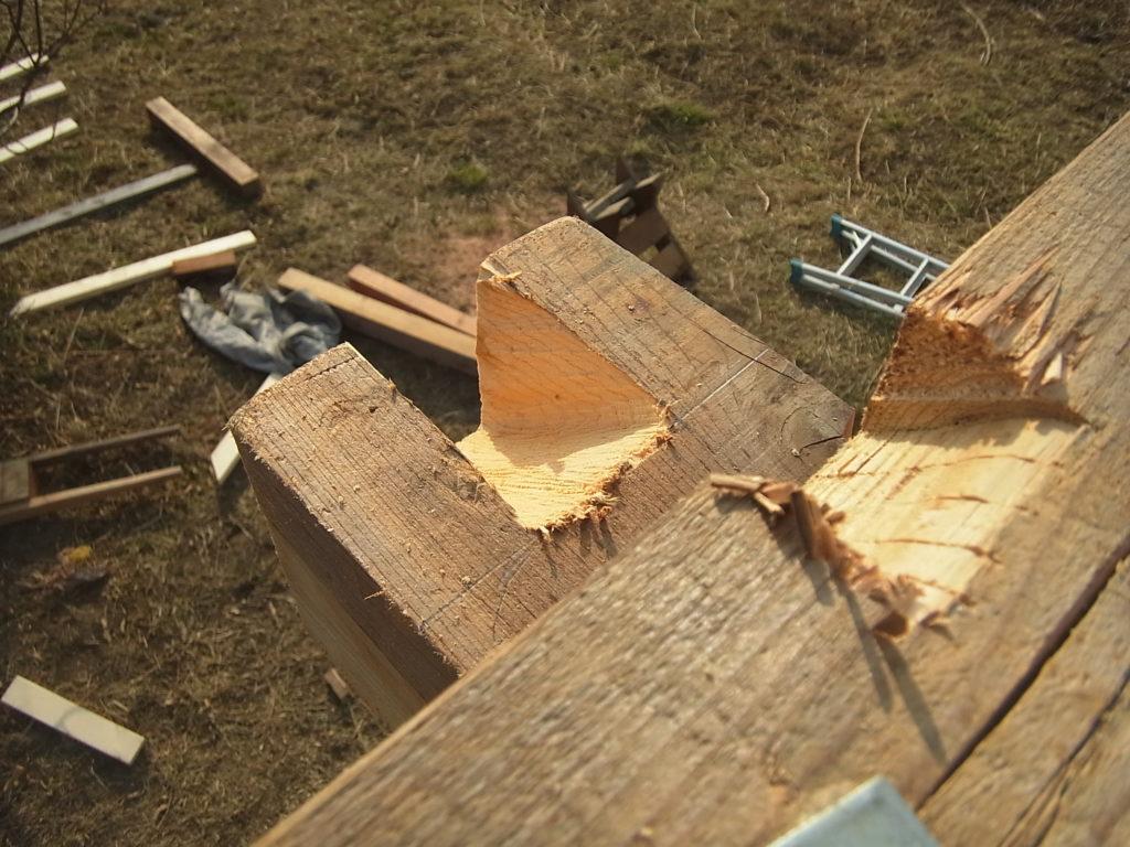 垂木彫りを追加する。