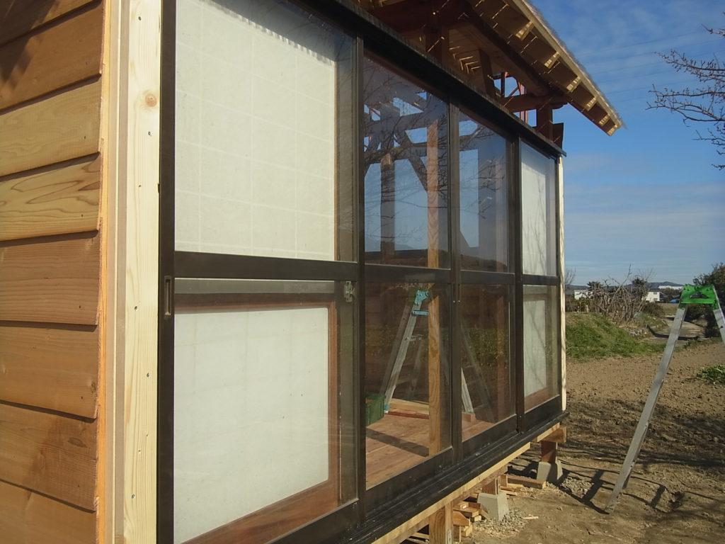 南側1面を窓にする。