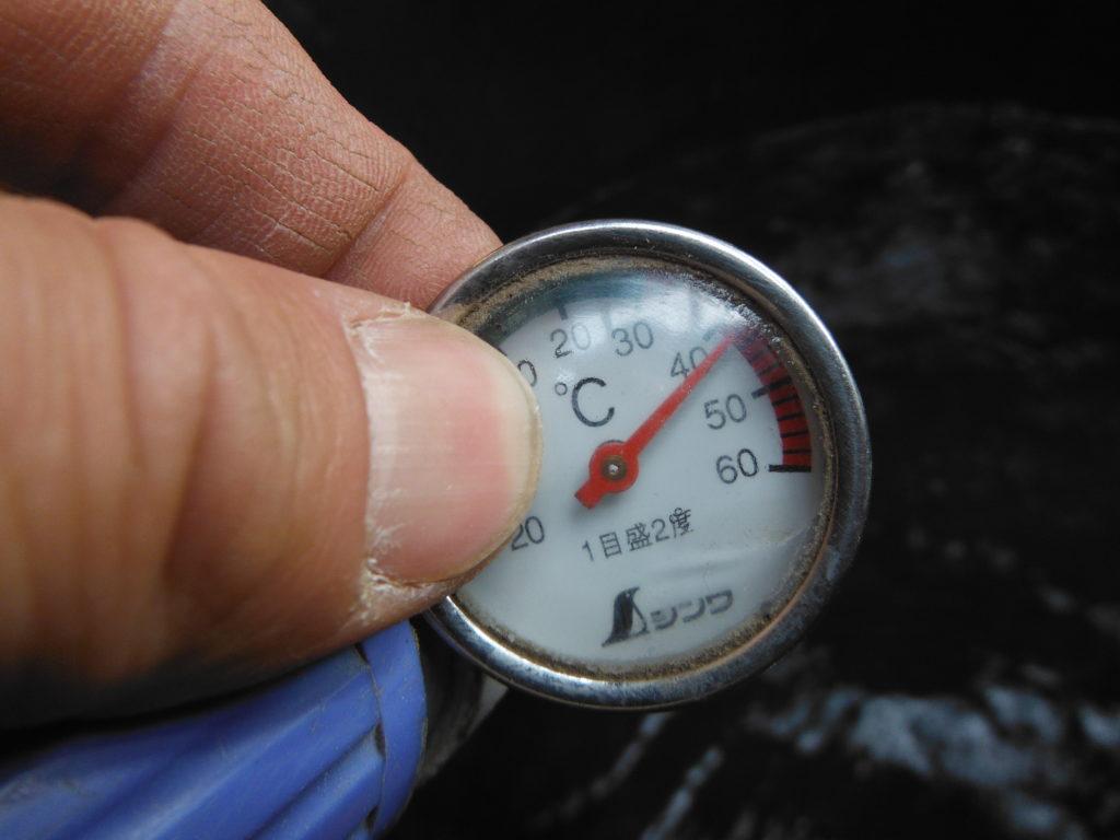 自作の太陽熱温水器が42度に上昇。