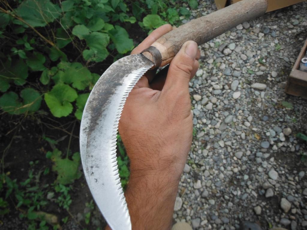 鋸鎌の柄の交換修理が完了。