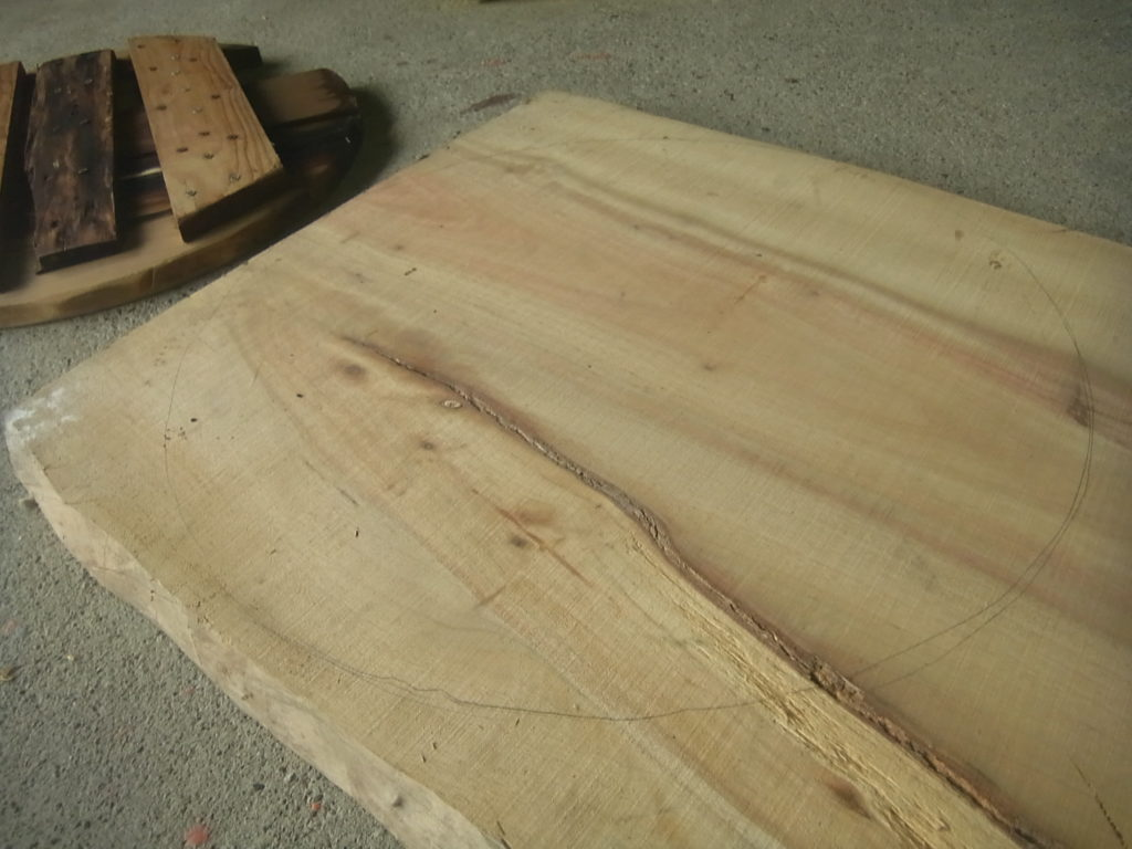 一枚板から下水板を作る。