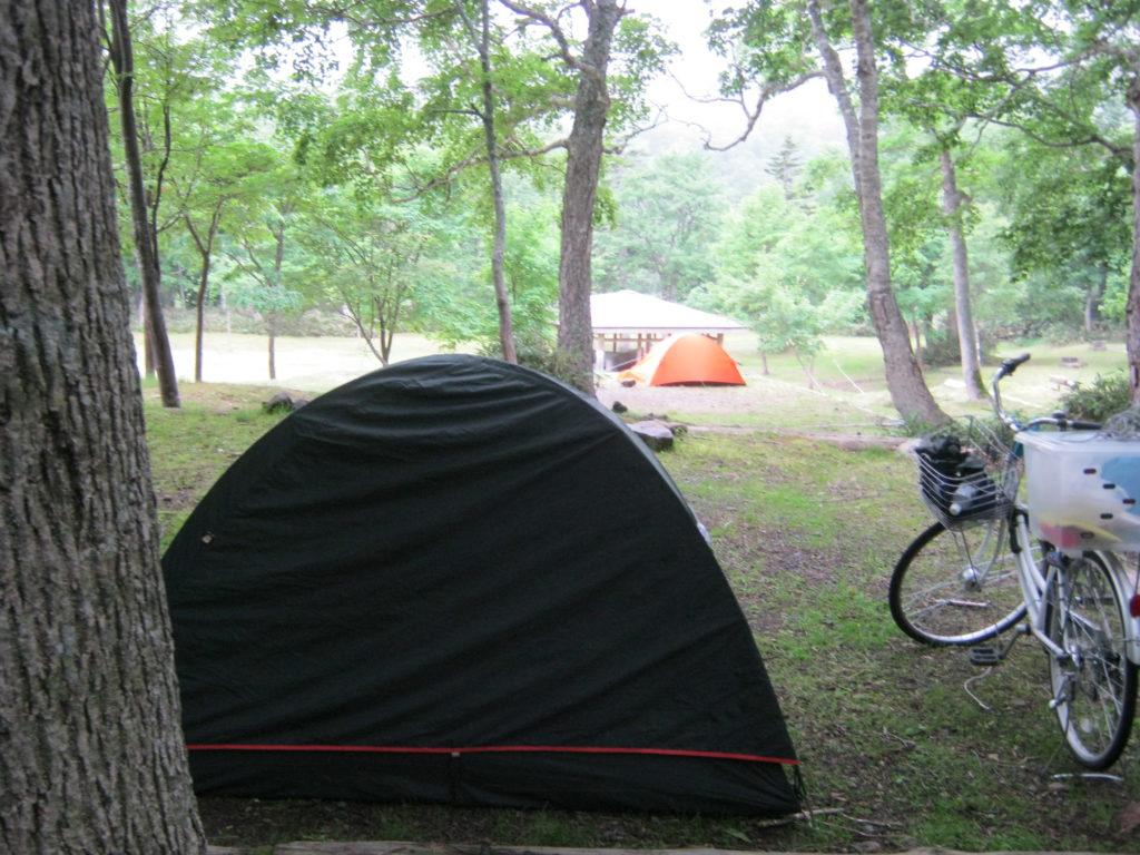 羅臼温泉野営場にてテント泊。