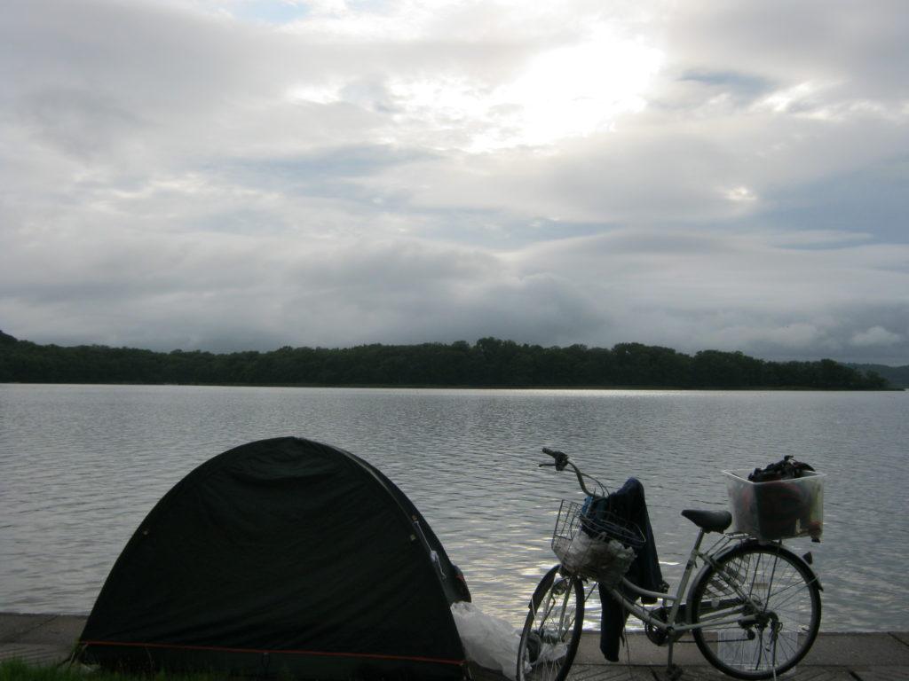 呼人浦キャンプ場にて、テント泊。