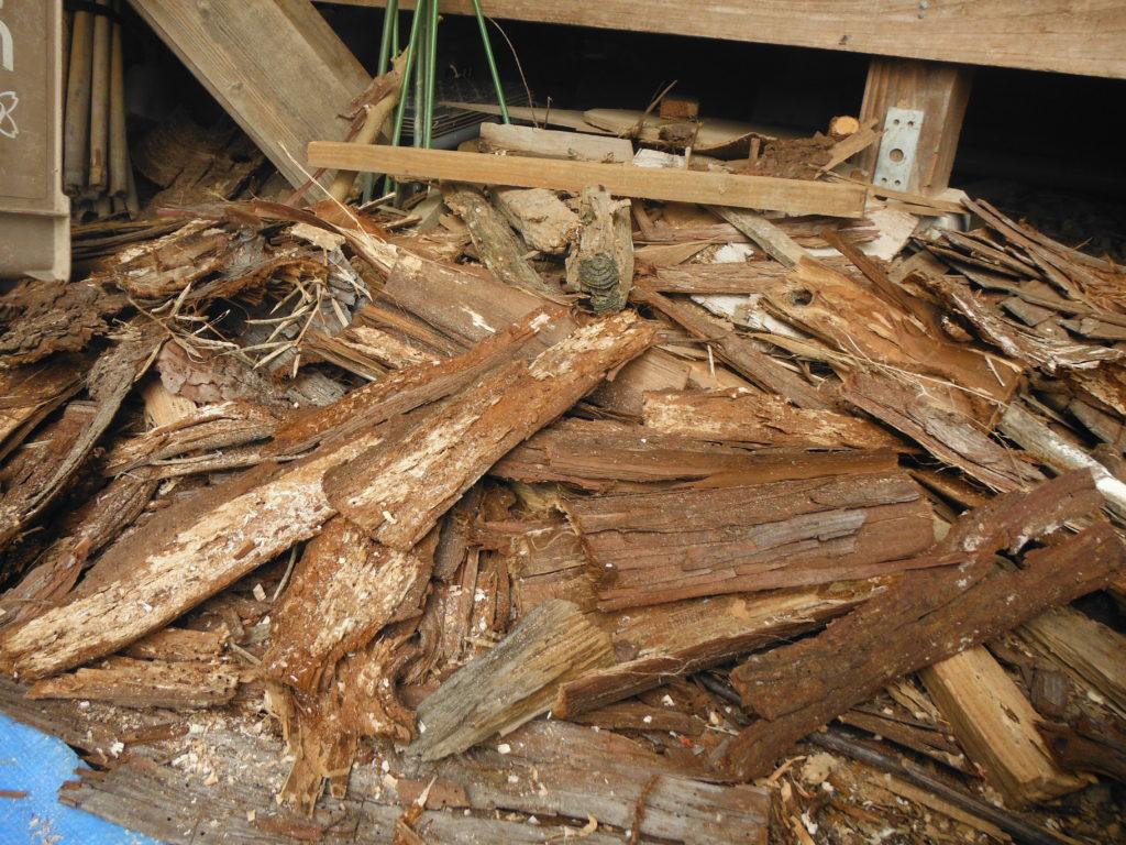 木材の皮。