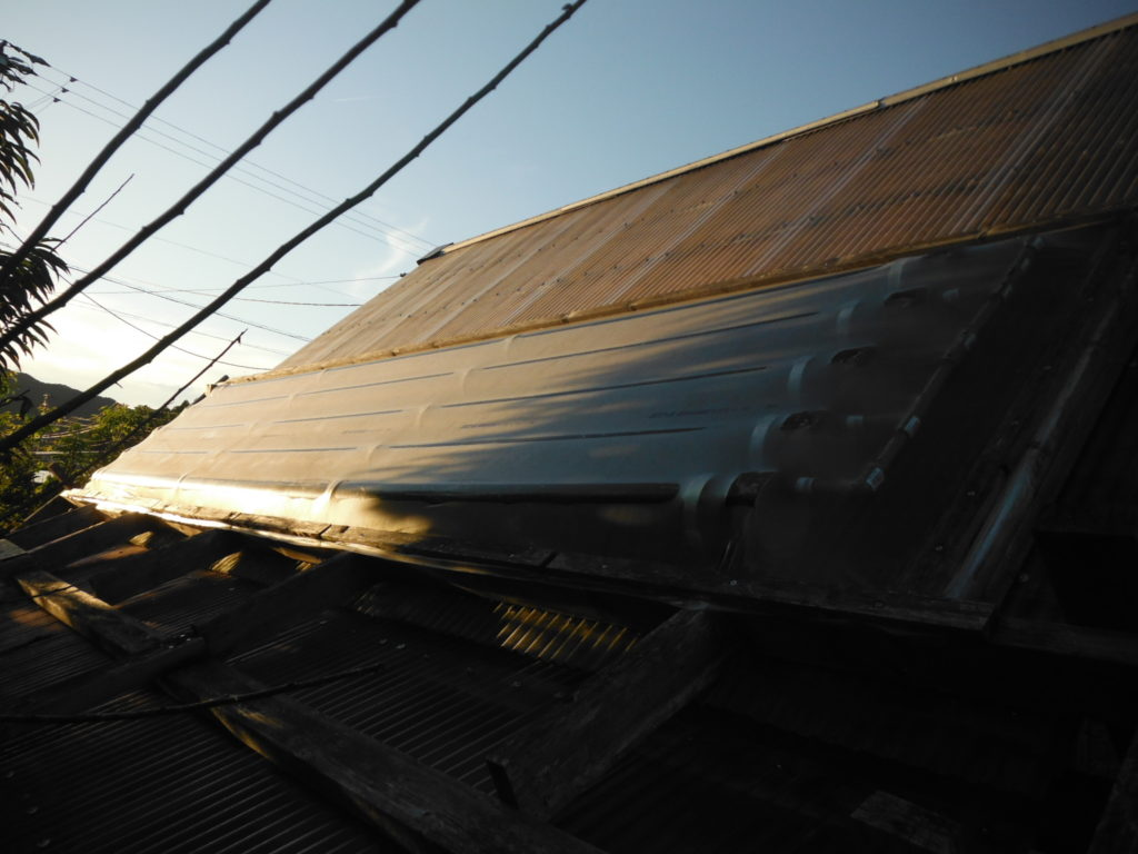 9月の塩ビ管太陽熱温水器。