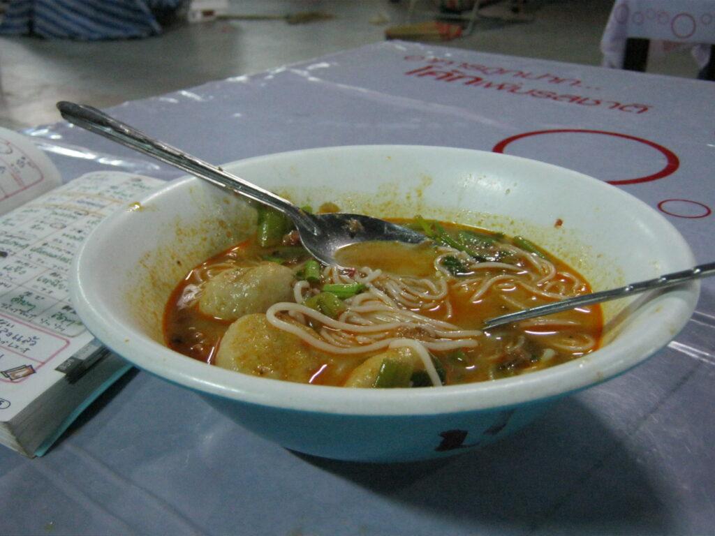 タイの市場で食べた麺。