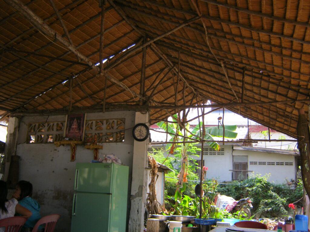 食堂の屋根。