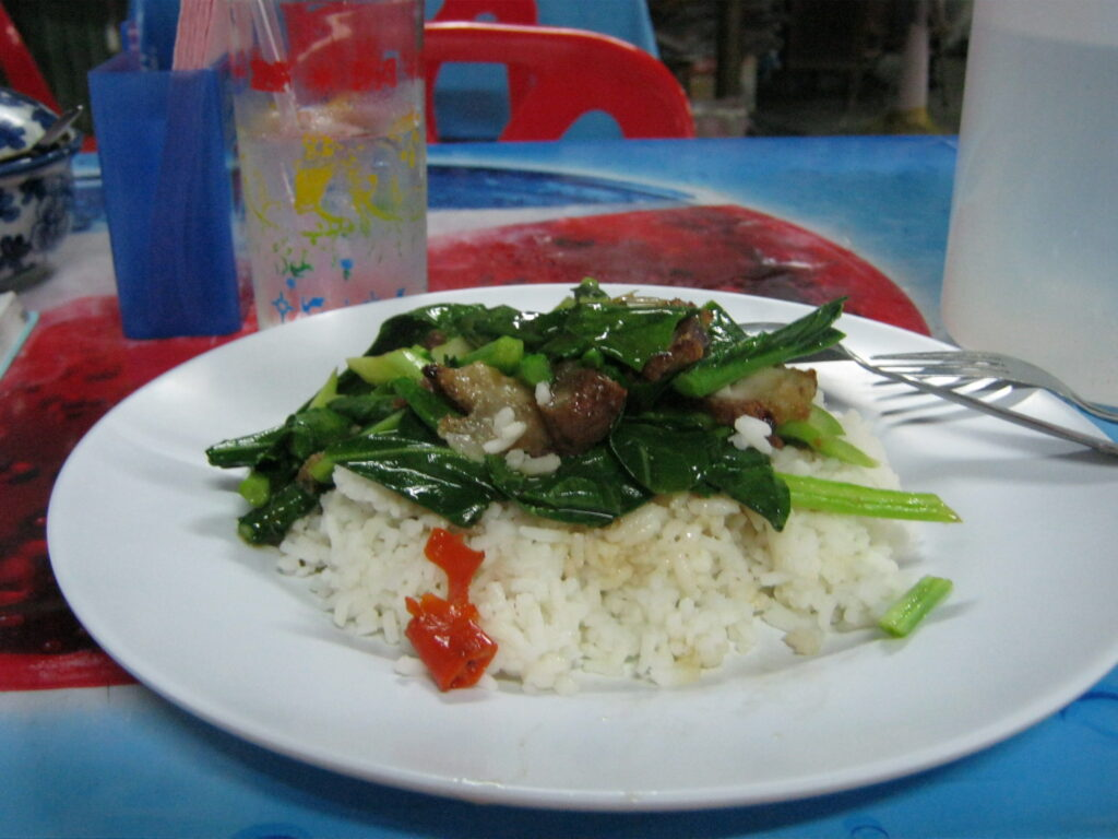 カリポークの野菜炒めご飯。