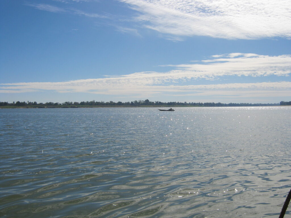 メコン川の渡し船の上の景色。