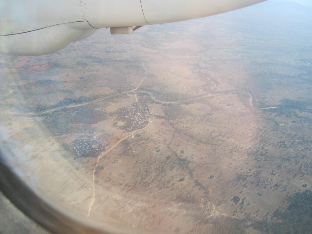 パークセーから、ルアンパバンへ飛ぶ飛行機からの眺め。