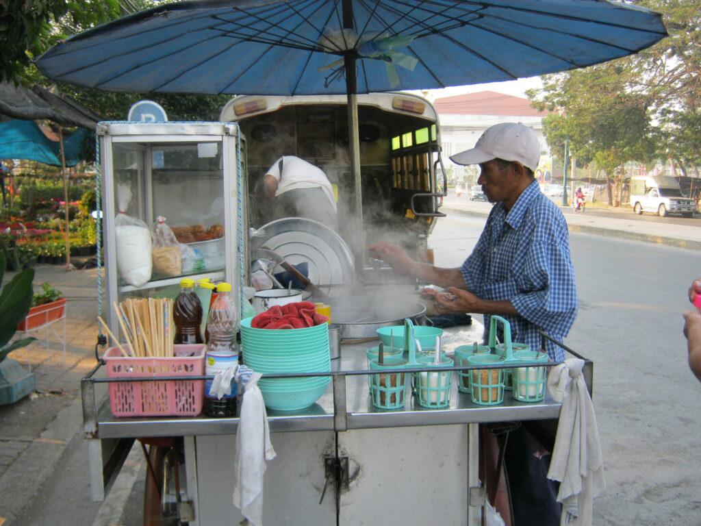 アユタヤで食べた屋台の麺屋さん。